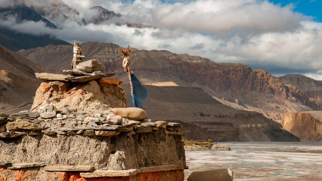 Do Nepálu